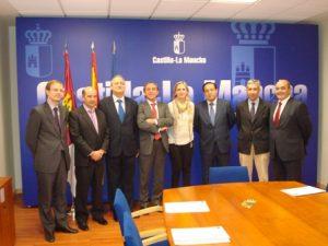 Lee más sobre el artículo CEAT C-LM se reúne con la Consejera de Empleo y Economía
