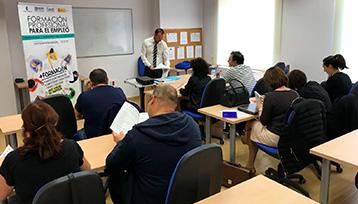 Charla informativa sobre Formación Profesional para el Empleo en San Clemente (Cuenca)