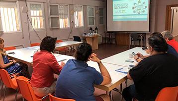 Charla informativa sobre Formación Profesional para el Empleo realizada en el Casar (Guadalajara)
