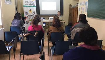 Charla informativa sobre Formación Profesional para el Empleo realizada en Villanueva de Alcardete (Toledo)