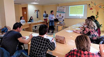 Encuentro informativo sobre Formación Profesional para el Empleo realizado en Iniesta (Cuenca)