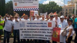 La Federación regional del taxi de CLM valora el apoyo de los taxistas castellano manchegos en la protesta del sector