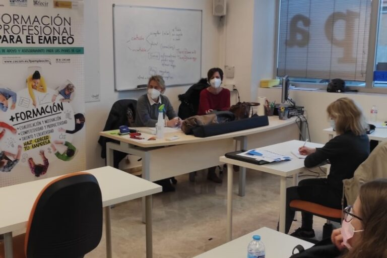 Charla informativa sobre Formación Profesional para el Empleo realizado en Ciudad Real