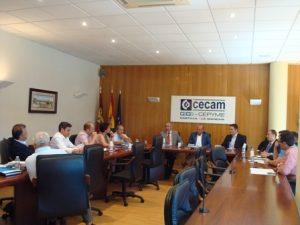 Lee más sobre el artículo El Grupo Exportador de la Federación Regional del Textil y Confección se reúne con representantes del ICEX y el IPEX